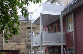 Balkonanlage über zwei Etagen