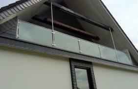 Balkongeländer Glas-Edelstahl