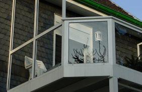 Balkonanlage mit abgewinkelten Ecken