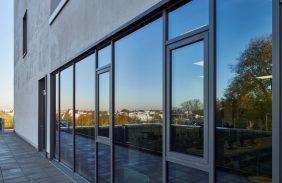 Schaufenster mit Dreh-Kipp-Fenster