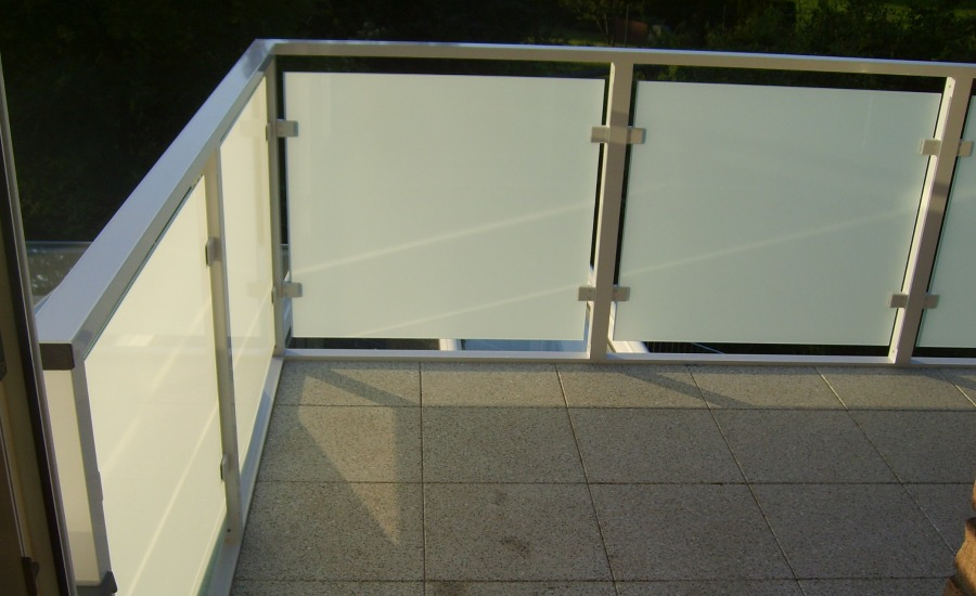 belag balkon bodenrost bodenbelag holz with belag balkon. Black Bedroom Furniture Sets. Home Design Ideas