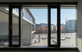 Alu-Fenster in Fassade
